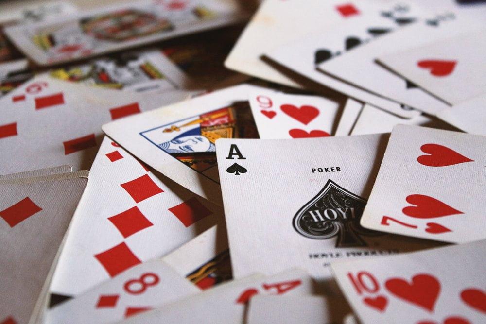 Kolmen kortin pasianssi nettikasinolla